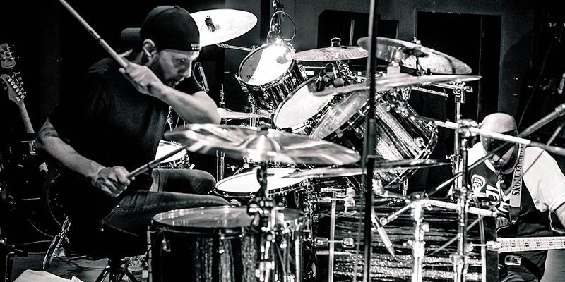 Drummer Band Terbaik Sepanjang Sejarah